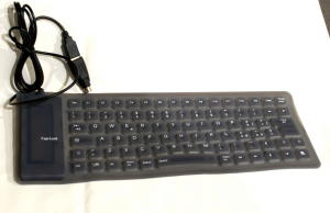 Tastiera lavabile ripiegabile con tastierino numerico.