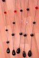 Tenda perlata filo nero con palline in acrilico