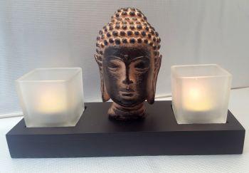 Basis Buddah mit 2 Kerzen