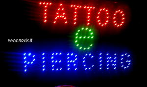 INSEGNA LUMINOSA TATTO E PIERCING